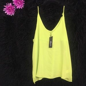 Tops - 💚🌴Lime Green Top 🌴💚